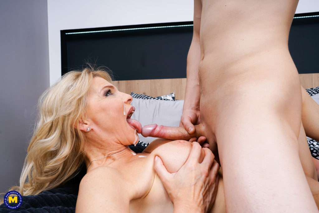 Naughty Hot Steamy Milf Getting Mouthfucked By Her Toy Boy At Mature.nl