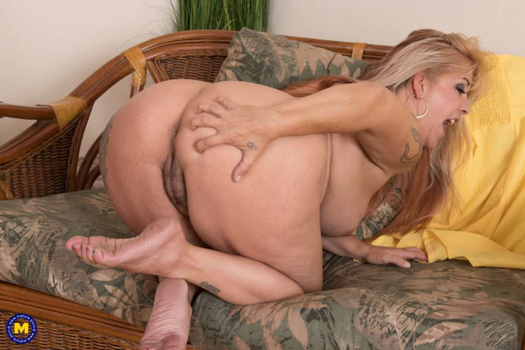 Big Breasted And Curvy Mom Playing With Her Self