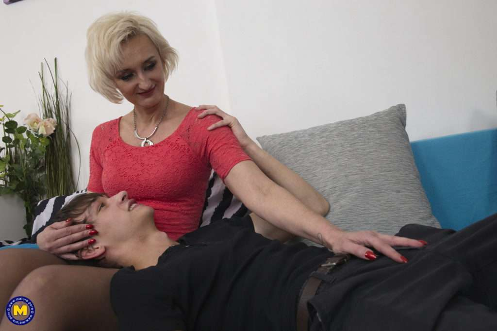 Horny Housewife Seducing Her Younger Lover