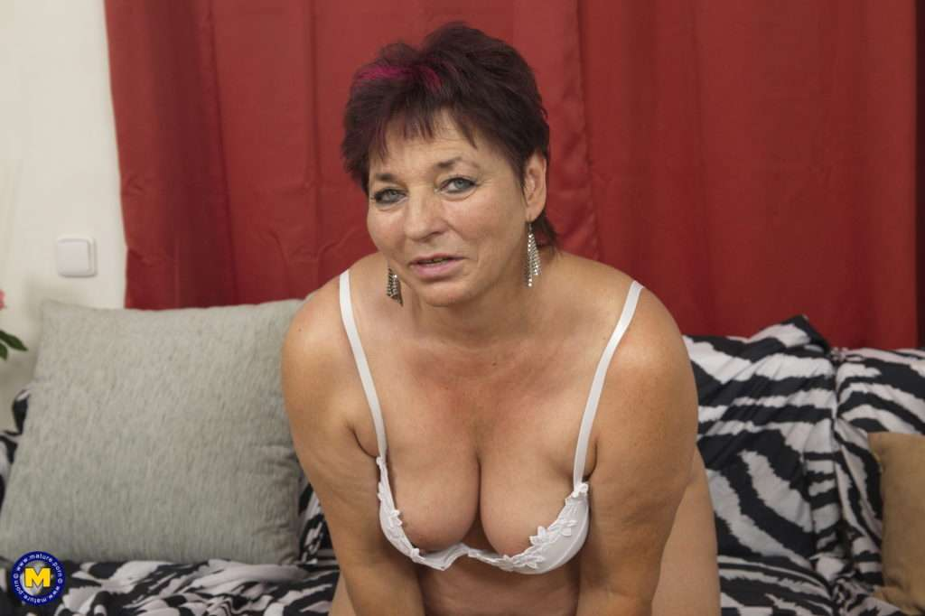 Horny Unshaved Housewife Playing With Her Pussy