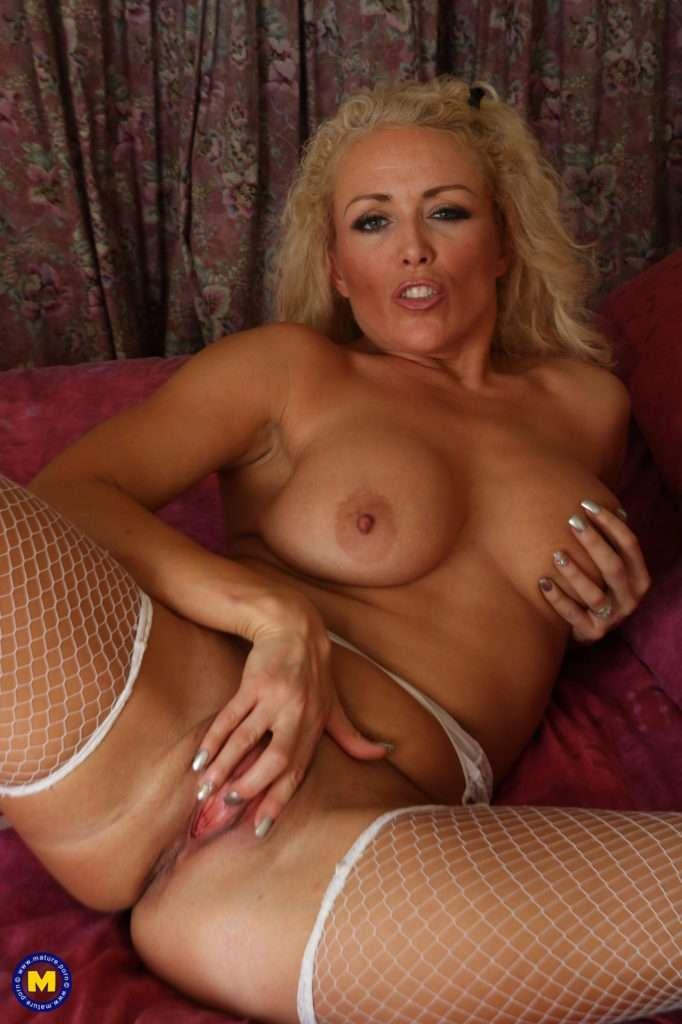 Hot Blonde Milf Rebecca Getting Wet And Wild