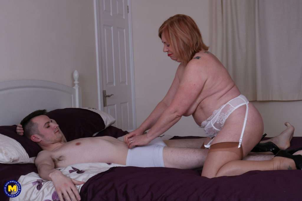 Naughty Curvy Mature Lady Playing With Her Toy Boy