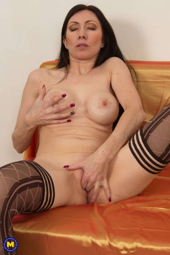 Naughty Milf Playing With Her Pussy