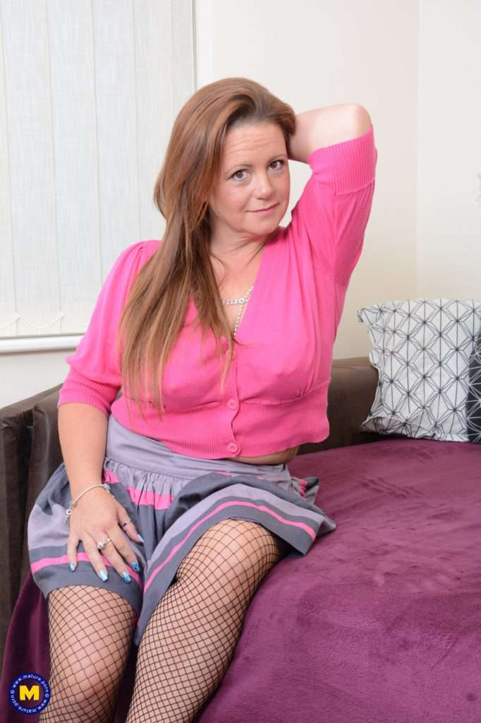 Naughty Curvy Mom Playing With Herself