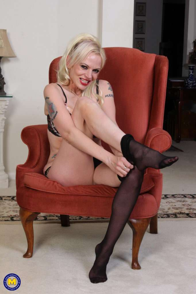 Naughty Blonde Pantyhose Milf Playing With Her Tight Pussy