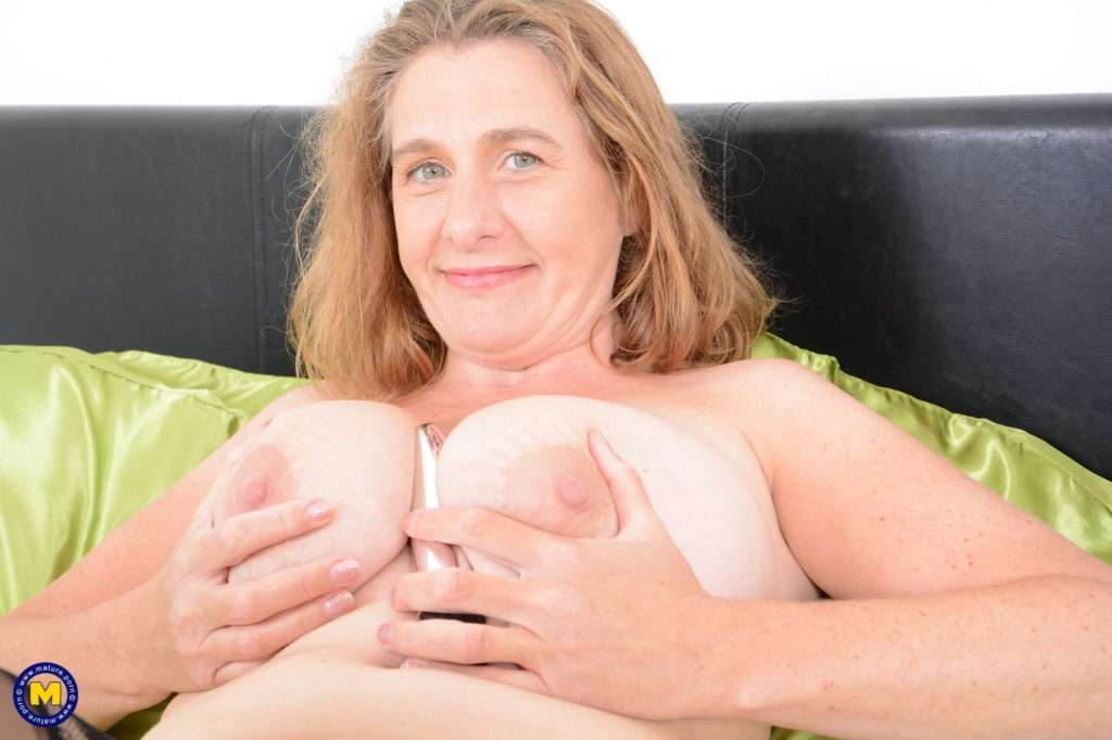 British Camilla Loves To Play Alone And Show Off Her Big Boobs