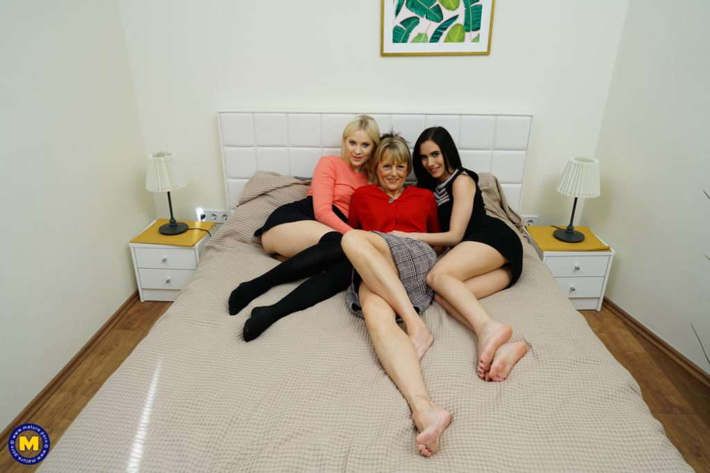 Two Horny Teeny Babes Visit Their Lesbian Coworker At Home For A Naughty Pussylick Afternoon