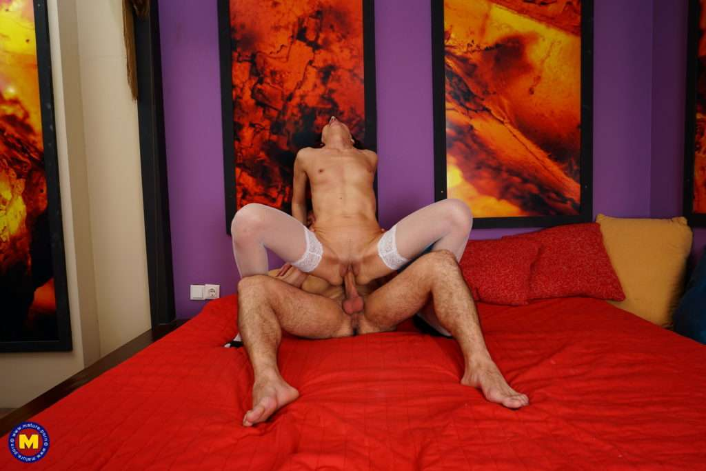 Naughty Mature Slut Getting Fucked In Her Bed By Her Toyboy