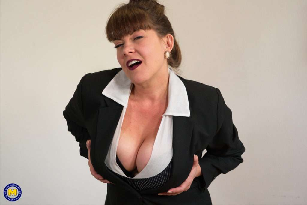 Mega Breasted Milf Playing With Her Pussy