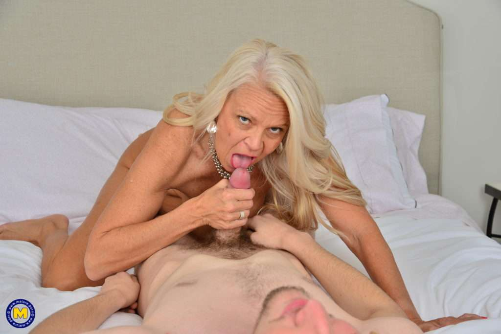 Mature Nympho Getting Some Afternoon Delight From Her Toy Boy