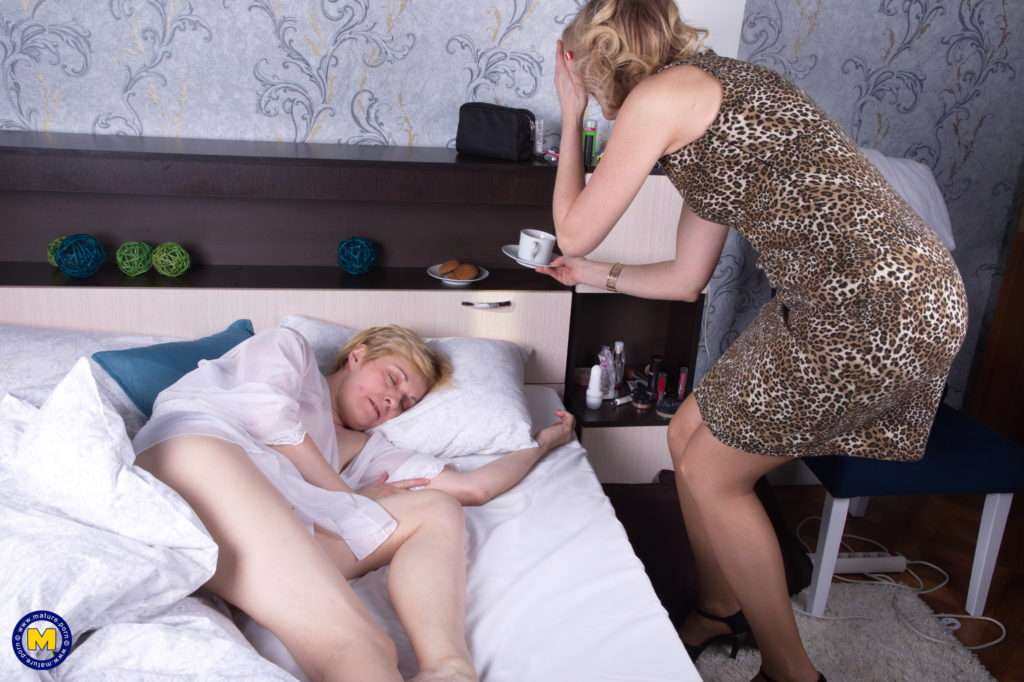 These Hairy Mature Lesbians Have Fun In The Morning