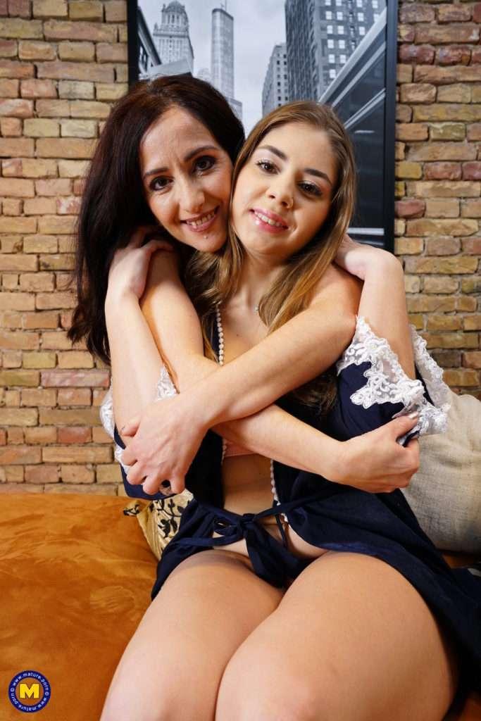 Hot Lesbian Mature Slut Doing Her Younger Hot Babe Lover
