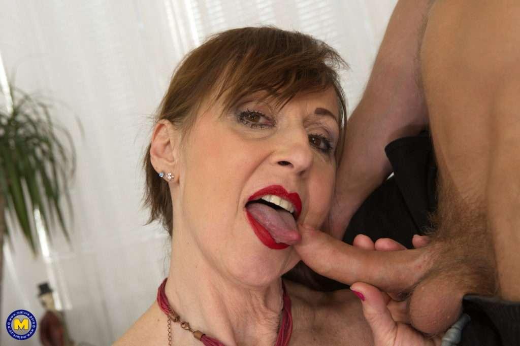 Horny Mature Slut Fucking And Sucking Off Her Toyboy