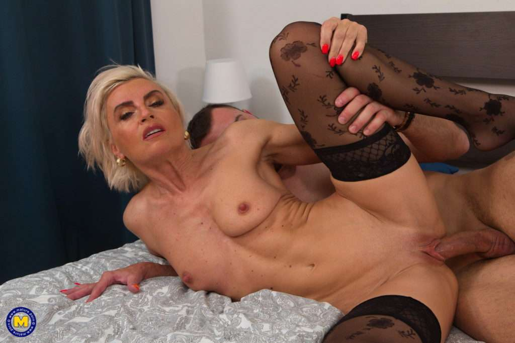 This Horny Cougar Loves To Suck And Fuck Her Ass Off