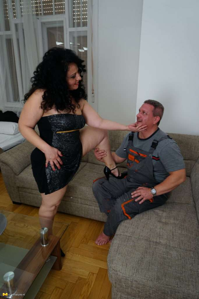 Naughty Mature Slut Fooling Around With Her Lover