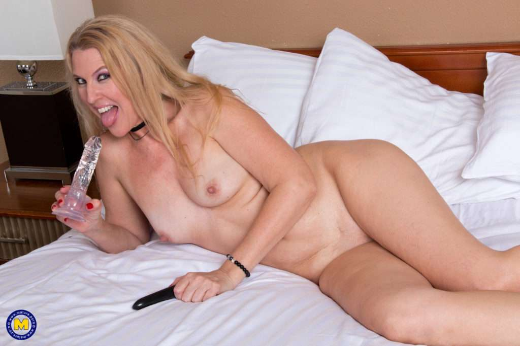 Blonde Milf Lacy B. Cummings Invites You To Go Upstairs With Her For Some Nuaghty Get Together