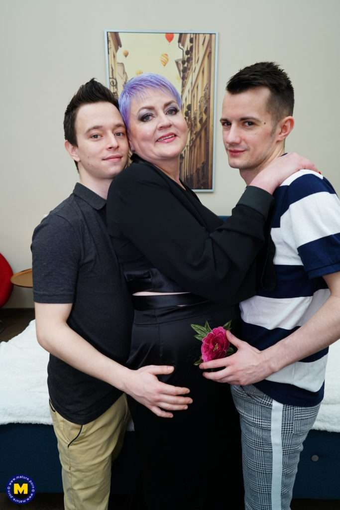 Curvy Mama Is Taking Two Young Cocks At Once From Her Toyboys
