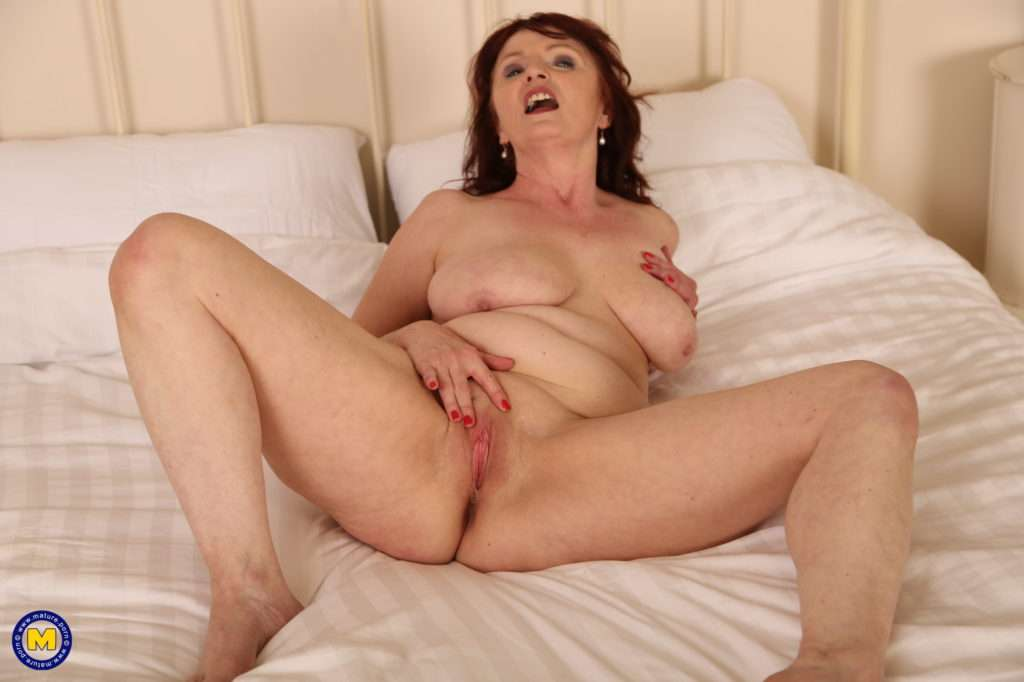 This Naughty Milf Is In For Al Kinds Of Naughty Things